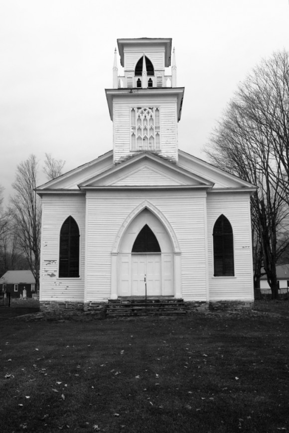 20151119-04-St_Johns_Episcopal-East_Poultney-bw-1024